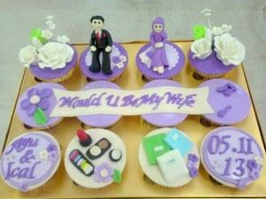 hantaran lamaran ungu cupcake