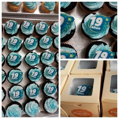 Cupcakes untuk 19 tahun XL - 16 Oktober 2015