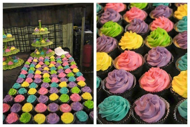 Cupcakes warna neon untuk Reuni Perak SMAN 8 Jakarta - 18 Oktober 2015