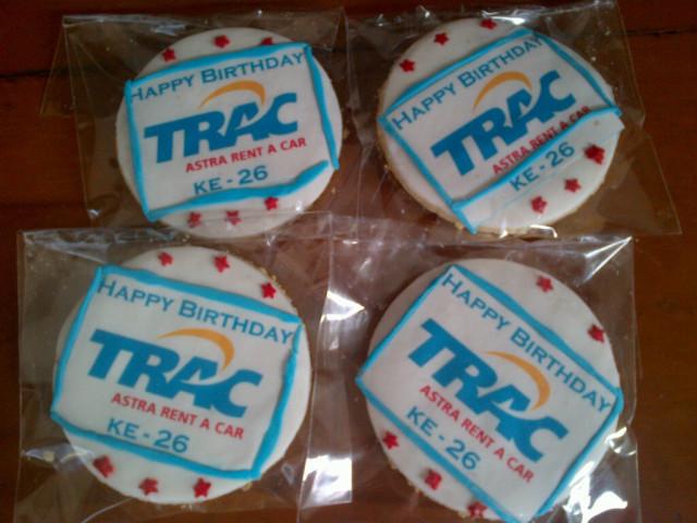 Pesanan cookies untuk ulang tahun ke-26 Trac Astra