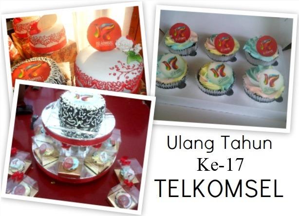 Pesanan 1200 cupcakes dan 40 cakes untuk Ulang Tahun ke-17 Telkomsel, dianter ke 8 Grapari dan 32 Gerai se-Jabodetabek