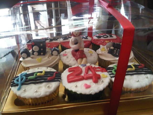 2048 x 1536 · 241 kB · jpeg, Toko Cupcake Online di Jakarta