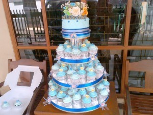blue medium wedding cupcake
