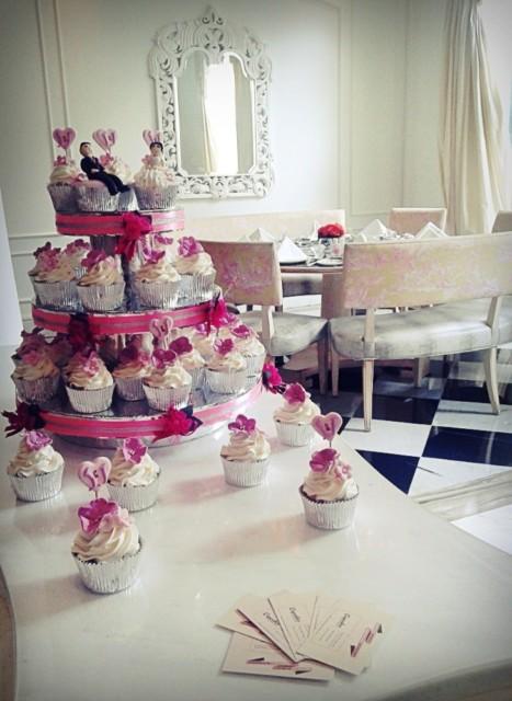 mini wedding cupcake