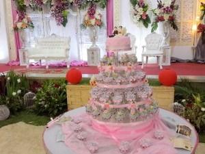 pink wedding cupcake