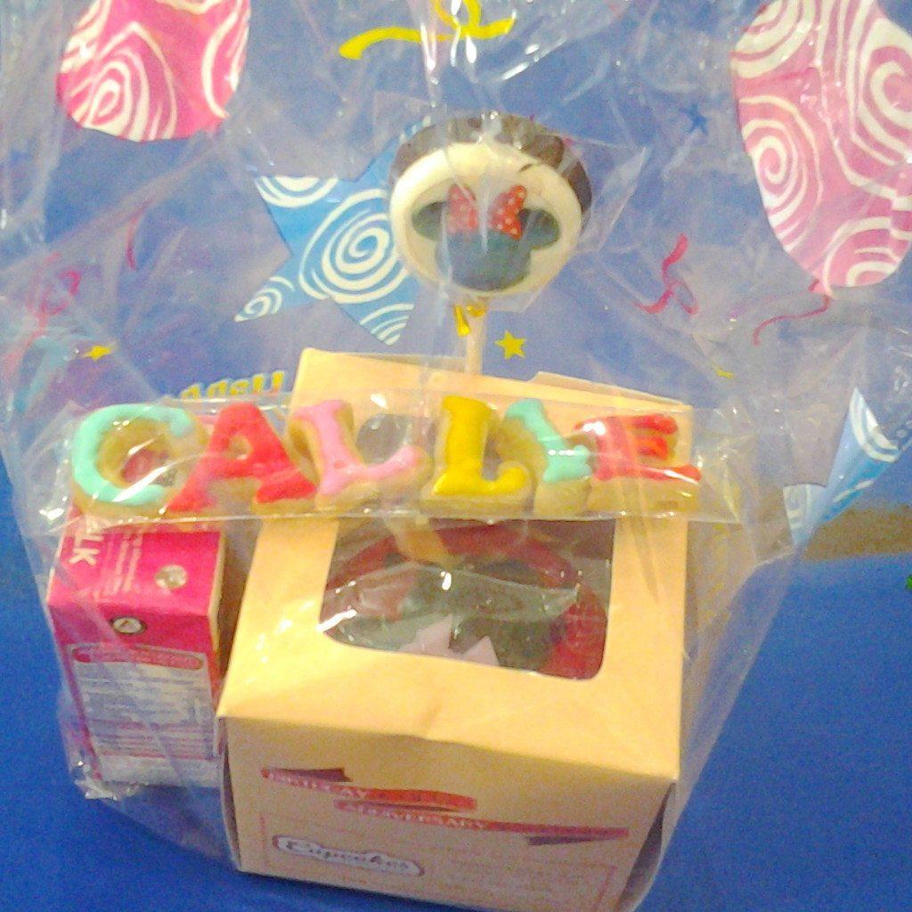 goodie bag cupcake minnie