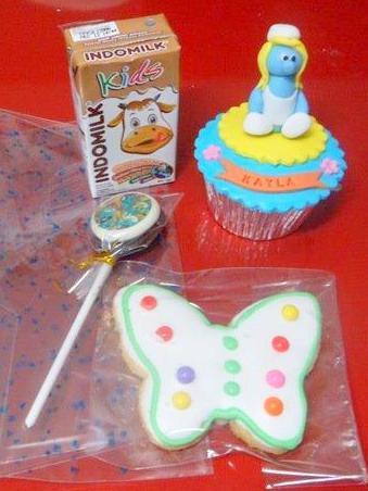 goodie bag cupcake smurf