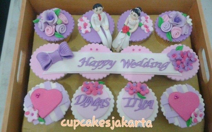 cupcake-hantaran-pernikahan-ungu-okt