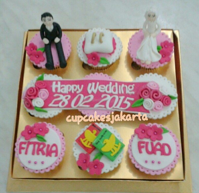cupcake-seserahan-putih-pink-mar