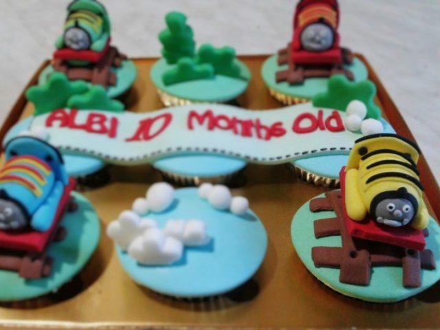 thomas-bday-cupcakes-mei